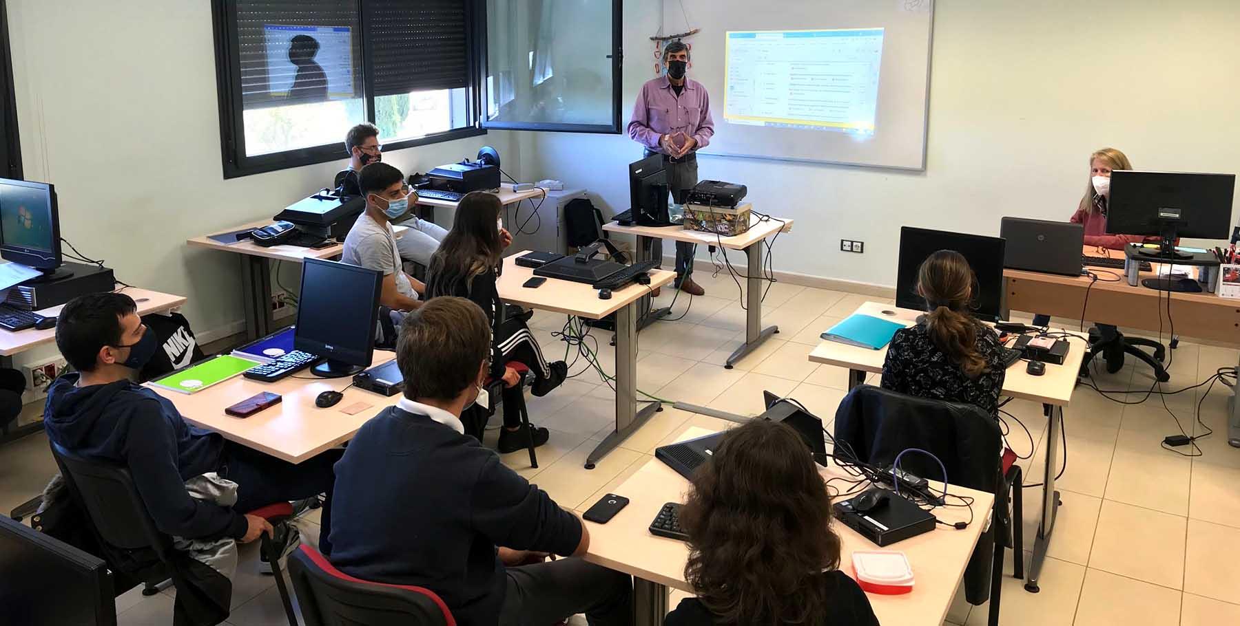 Nuevas ciberformaciones para personas con diversidad funcional con el Grupo Envera